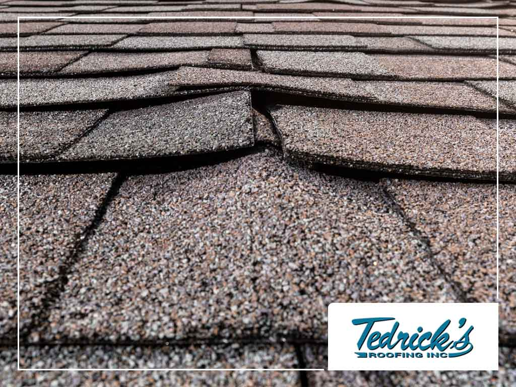 Factors That Affect Asphalt Shingle Weathering