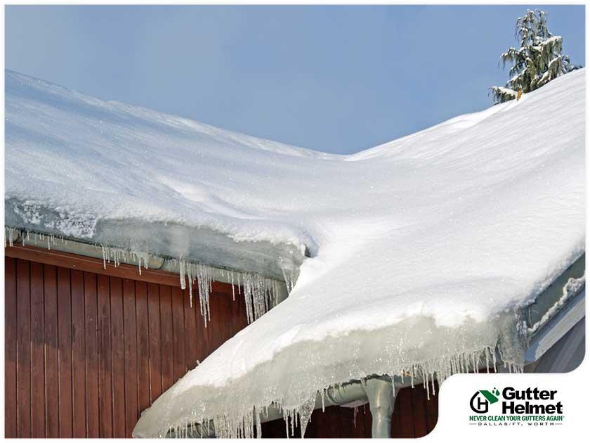 roof with ice dam