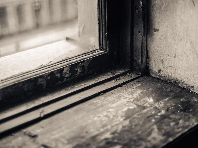 6 Signs You Need New Windows Soon