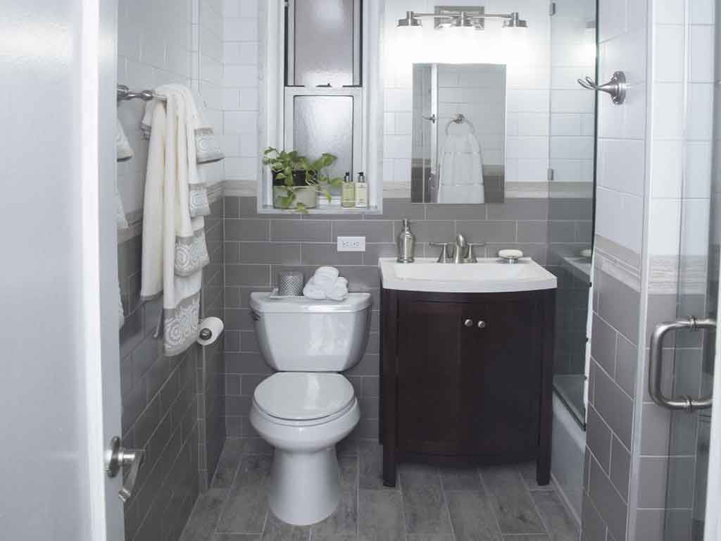 4 Ways to Maximize Space in Small Bathrooms
