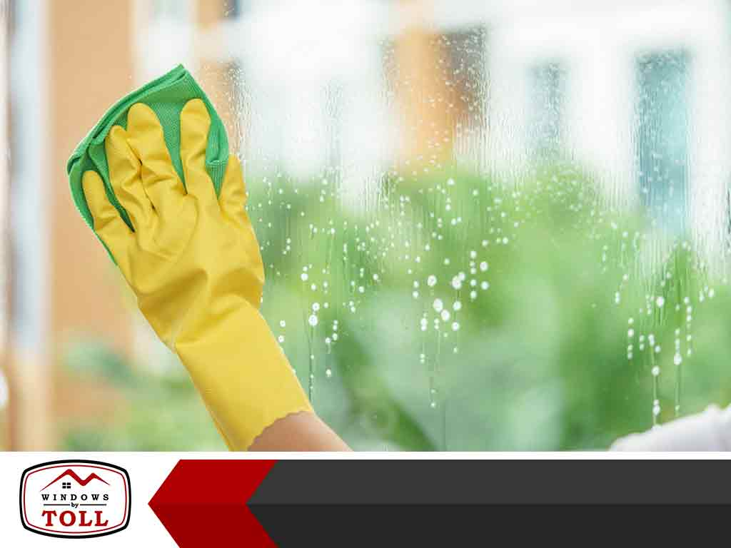 Vinegar or Ammonia: Cleaning Agent for Your Windows