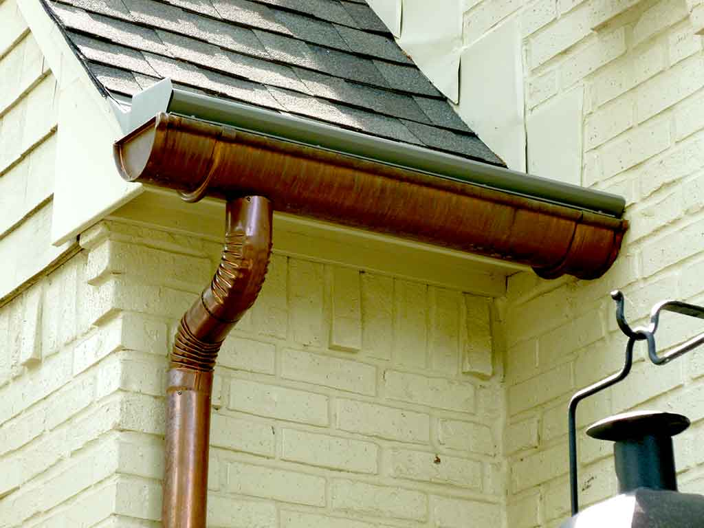 How Properly Installed Gutters Prevent Mold