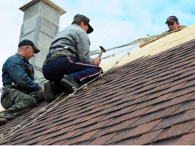 Tips on Handling Emergency Roof Repairs